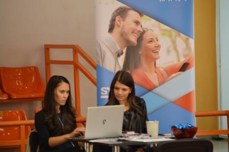 Bursa locurilor de muncă în Oradea. Sute de absolvenţi au trecut pe la Universitate ca să-şi caute o slujbă (FOTO / VIDEO)