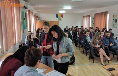 Primăria Aleşd, prima din Bihor care premiază elevii cu note mari (FOTO)