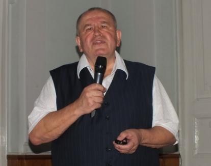 Plagiat la itinerar: Constantin Butişcă, acuzat că a plagiat o parte din Ghidul Practic al Oradiei