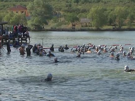 """300 de oameni au luptat să devină """"Ironman"""" (FOTO / VIDEO)"""