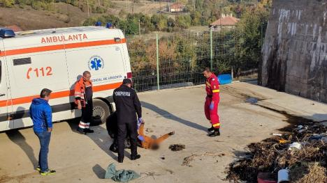 Cadavrul unui bărbat a fost găsit în barajul de acumulare din Aştileu (FOTO)