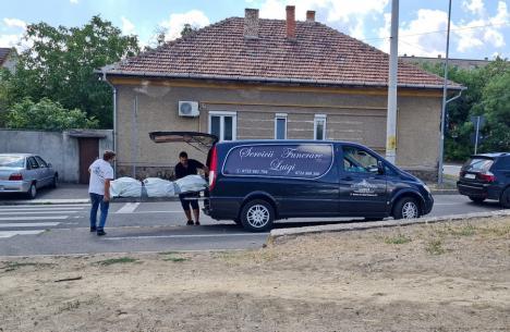Cadavru găsit plutind în Crișul Repede în Oradea, lângă Podul Decebal (FOTO / VIDEO)