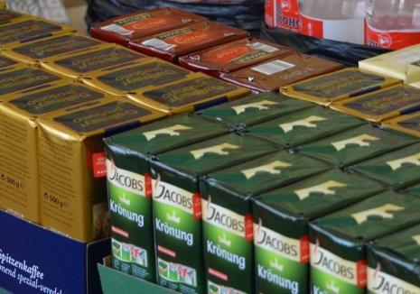 Un hoţ din Bihor a făcut pasiune pentru cafea: a reuşit să fure 116 pachete dintr-un magazin, iar apoi a revenit să ia încă 73 de cutii