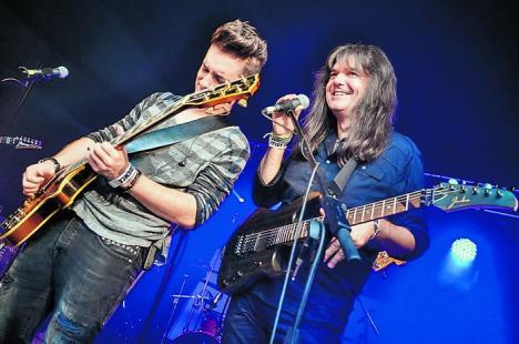 Fuziune muzicală. Călin Pop şi fiul său, Marius, lansează împreună un album (VIDEO)