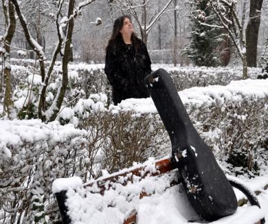 Călin Pop îşi lansează noul album solo, 'Ritual de iarnă' (VIDEO)