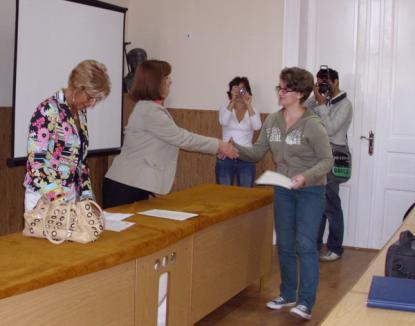 Colegiul Gojdu, singurul din Oradea care face testarea Cambridge, le-a predat elevilor certificatele