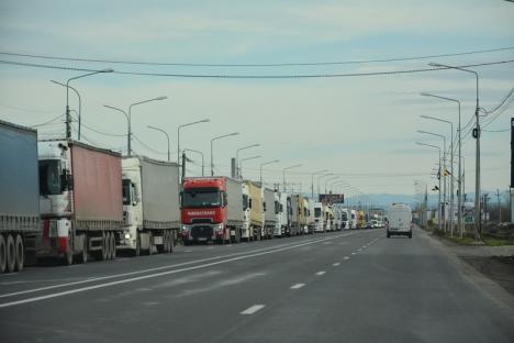 Se anunţă cozi la Borş. Traficul camioanelor va fi oprit dincolo de graniţă, de Ziua Maghiarilor