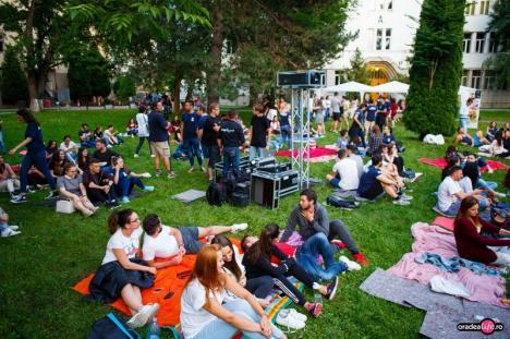 'Visul unei nopţi de vară': Studenții orădeni, chemați să celebreze noaptea de Sânziene alături de actori și cântăreți