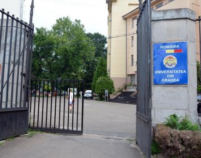 Cartă nouă, neamuri vechi: Senatorii Universităţii din Oradea au votat pentru reducerea mandatelor de şefi la 8 ani, dar nu şi pentru înlăturarea nepotismelor