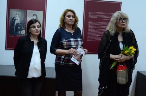 'Capriciile Modei' la Muzeul oraşului Oradea. La pas prin istoria modei (FOTO)