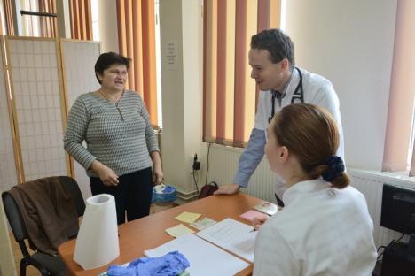'Caravana cu medici': Controale medicale gratuite, sâmbătă, la Primăria Sînmartin (FOTO)