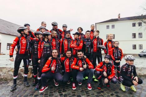 Echipa orădeană de ciclism CarCover Veloteca s-a întărit considerabil: A semnat şi cu Eszter Bereczki şi Bogdan Duca