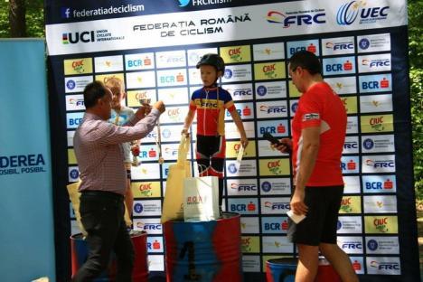 Noi medalii pentru cicliştii de la CarcCover Racing Team Oradea