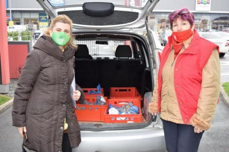 Sărbători mai frumoase pentru nevoiași: Caritas Catolica și Asociația Pro Bambini au donat pachete cu alimente, rechizite și jucării (FOTO)
