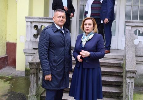 """Ministrul de Interne, Carmen Dan, la Oradea: Poliţiştii de frontieră din Macedonia vor fi şcoliţi la Şcoala """"Avram Iancu"""" din oraș (FOTO)"""
