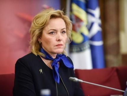 Reglări de conturi: Carmen Dan vrea demiterea şefului Poliţiei Române şi capul şefului de la Omoruri