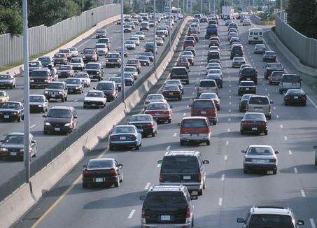 Taxa auto va fi impusă şi maşinilor aduse în ţară înainte de 2007