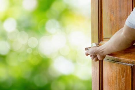 'La liber': Izolarea la domiciliu şi carantina au fost suspendate. Ce li se recomandă bihorenilor