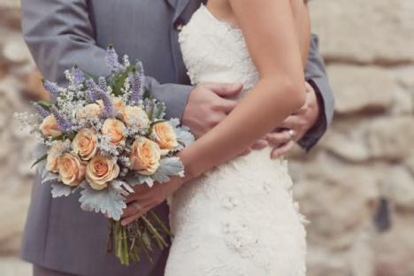 Timp de gândire. Primăria Oradea suspendă oficierea căsătoriilor civile până la sfârşitul stării de urgenţă