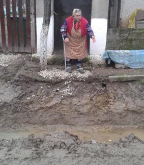 Mai mult înalt decât lung: Lucrările la drumul dintre Burzuc şi Uileacu de Criş îi lasă pe săteni… suspendaţi