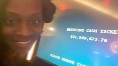 O americancă dă în judecată un casino unde a câştigat 43 milioane de dolari, dar i s-a oferit... o cină