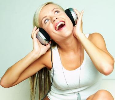 În online, muzica se poate asculta gratuit