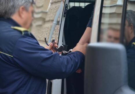 Atacatorul taximetristului de la Fulger a fost trimis în judecată: Cuţitarul e în arest preventiv