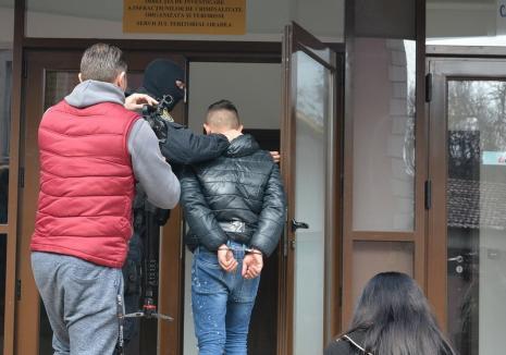 Traficanţii de droguri ridicaţi de procurorii DIICOT Oradea au fost arestaţi
