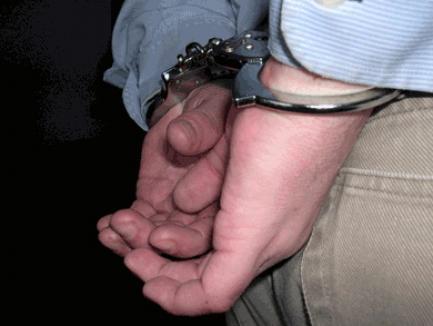 Alţi doi poliţişti implicaţi în jefuirea TIR-ului răsturnat au fost arestaţi
