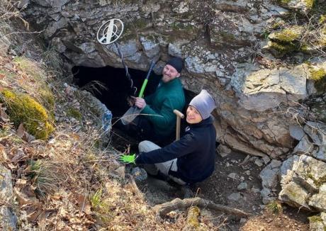 Vânătorii de comori: În Bihor există aproape 200 de pasionați care caută comori îngropate și neatinse de mii de ani (FOTO)