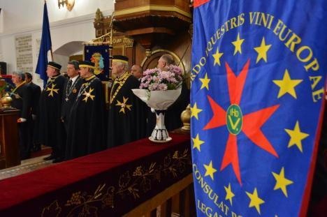 Ceremonie inedită în Bihor. Cavalerii vinului s-au reunit la Diosig pentru a primi noi membri (FOTO / VIDEO)