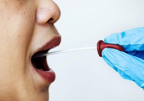 Şapte noi cazuri de infectări cu Covid-19, depistate în Bihor. În patru situaţii este vorba despre persoane domiciliate în alte judeţe