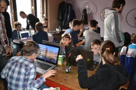 Mini artişti, mini IT-işti: Noi ateliere educative şi recreative pentru copiii din Oradea (FOTO)