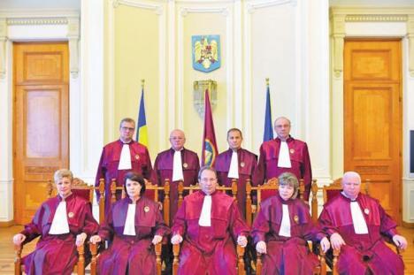 Curtea Constituţională, organizare și atribuții