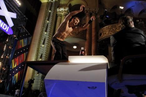 Doi orădeni au sărit peste juraţii de la Românii au talent într-o demonstraţie de parkour (FOTO)