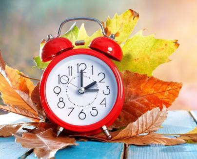 Se schimbă ceasul! În weekend trecem la ora de iarnă. Cum ne afectează
