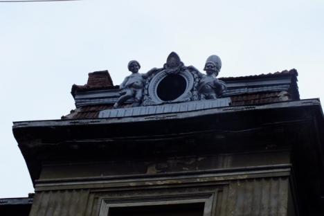 Oradea ieri, Oradea azi: Palatul Sonnenfeld îşi caută proprietar (FOTO)