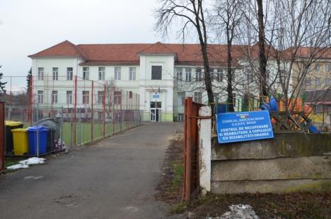 Soarta copiilor cu handicap somaţi să nu se mai trateze la singurul centru specializat din Oradea a fost rezolvată