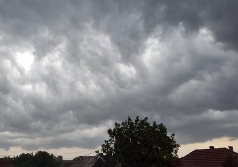 Noi furtuni în Bihor: Meterologii au emis cod galben în mai multe localităţi