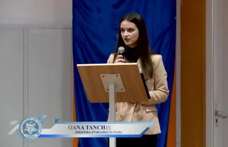 În premieră, la deschiderea anului universitar în Oradea au participat doar câțiva profesori și studenți. Alte 1.300 de persoane au urmărit online (FOTO / VIDEO)