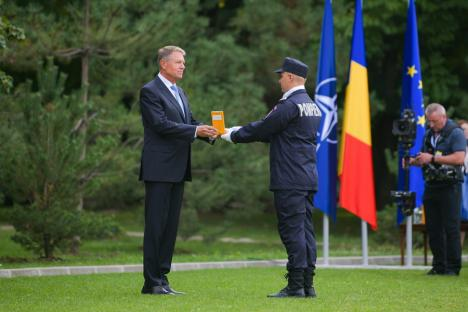 Unul din şefii ISU Crişana, decorat de Președintele României