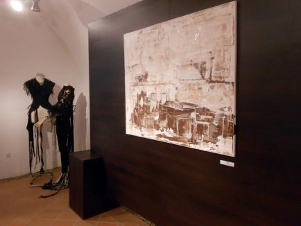 Tinerii artişti bihoreni şi-au expus creaţiile la galeria de artă contemporană de la Cetatea Oradea (FOTO)