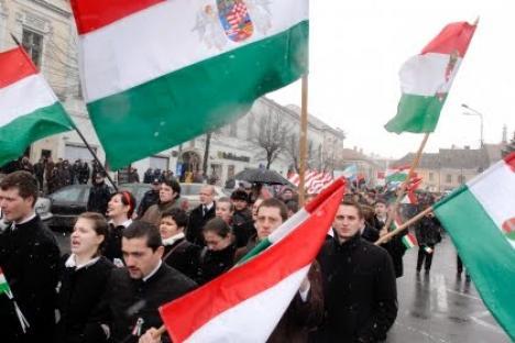 Zeci de etnici maghiari orădeni au depus cereri de obţinere a cetăţeniei ungare