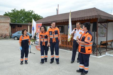 Angajaţii de la Ambulanţă au sărbătorit 108 ani de existenţă a serviciului de urgenţă (FOTO)