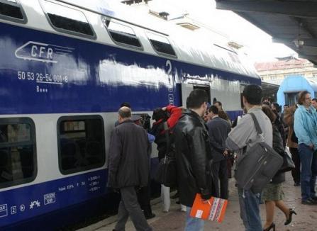 """Reţeaua """"naşilor"""" din CFR: Banii strânşi de la călătorii fără bilet erau daţi şefilor CFR în toaletele trenurilor"""