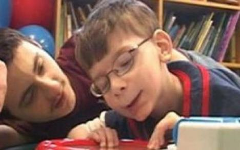 Un copil creşte fără cerebel