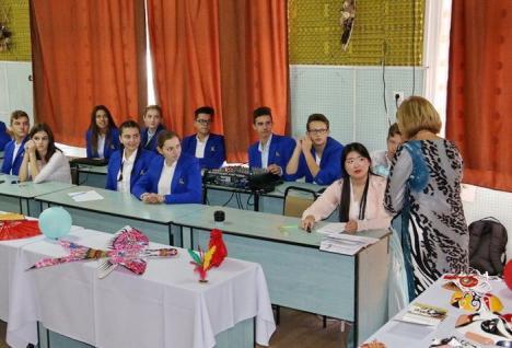 Premieră în Bihor: Elevii de la Liceul Aurel Lazăr iau lecţii de chineză