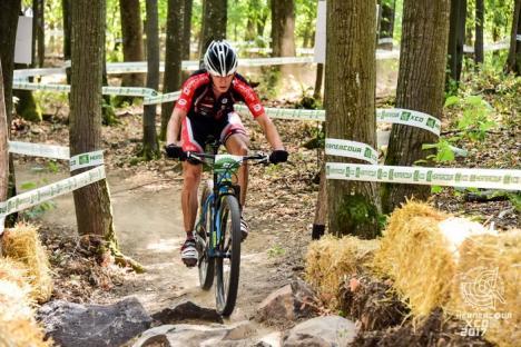 Orădenii de la CarCover Racing Team au dominat concursul de Mountain Bike XCO de la Herneacova (FOTO)