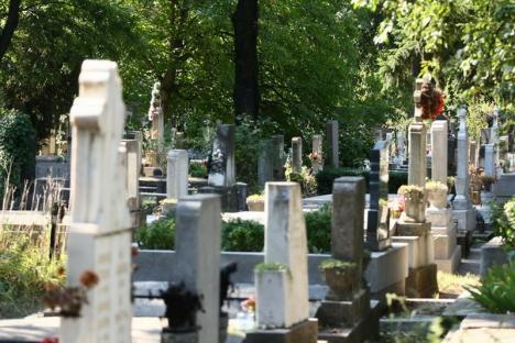 Inventarierea locurilor de veci din Cimitirul Municipal: Orădenii, aşteptaţi să-şi clarifice situaţia