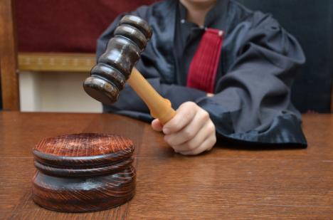 Ajutorul public judiciar pentru derularea unui proces: Cine pot fi beneficiarii